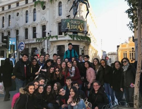 """Los alumnos de 4º ESO van al teatro Calderón a ver """"La Familia Addams""""."""